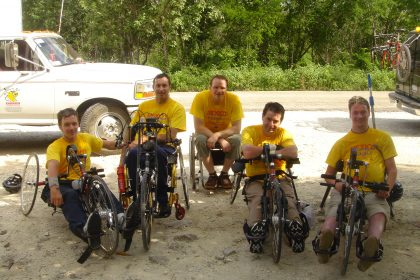 Group of handcyclists in Cuba